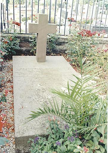 Ensemble de 5 tombeaux de la famille Eckbrecht de Durckheim-Montmartin et de Victor Moritz