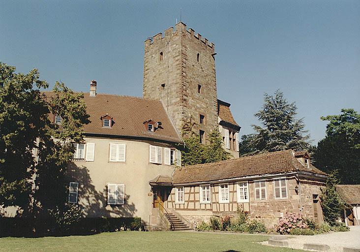 Château, actuellement mairie, musée