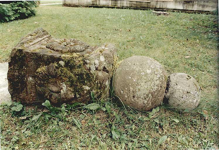 fontaine monumentale et abreuvoir (N)