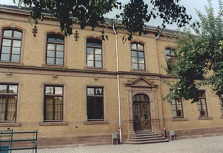 Ecole ; chancellerie