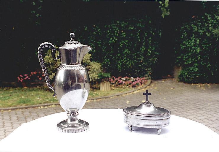Ensemble d'objets du culte protestant