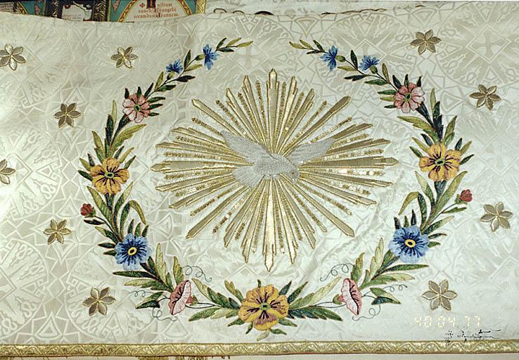 Tapis de dessus d'autel (No 2)