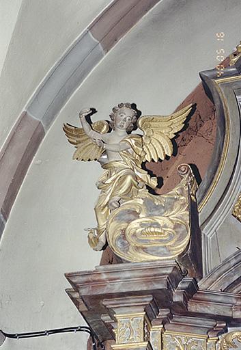 ensemble de 4 statues des autels secondaires : Anges
