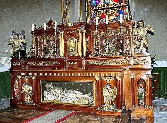 ensemble du maître-autel : autel, tabernacle, statues (7), reliefs (2)