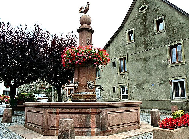 FONTAINE MONUMENTALE : A