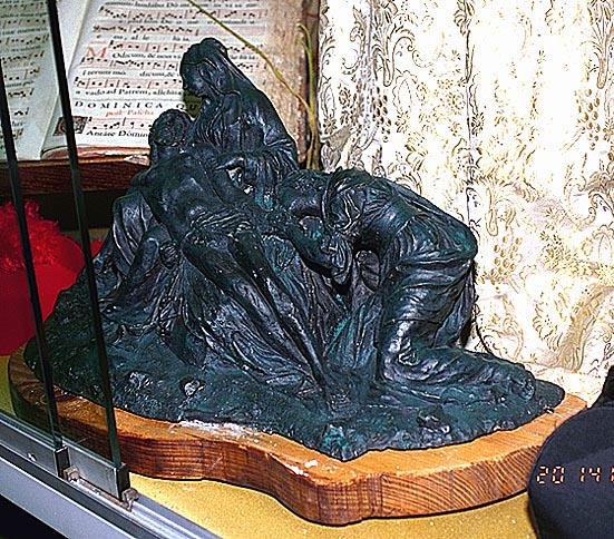 groupe sculpté : Déploration