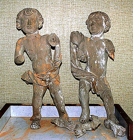 ensemble de 2 statues :  Putto
