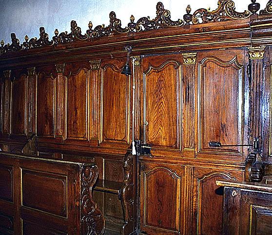 STALLES(2);BANCS DE CHOEUR; lambris de demi-revêtement