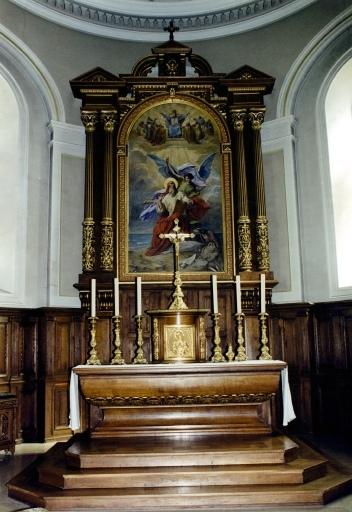 Autel et ensemble de mobilier liturgique
