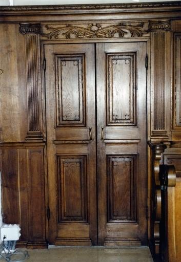autel, retable, tabernacle, stalles, lambris de demi-revêtement, chaire à prêcher