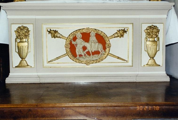 autel secondaire de saint Joseph : tombeau avec, en médaillon, la fuite en Egypte