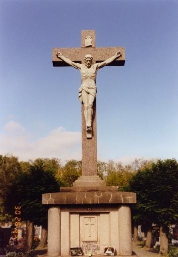 croix de cimetière D