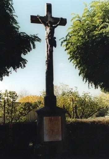 Croix monumentale A