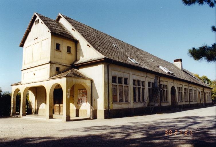 salle des fêtes de la cité Rossalmend