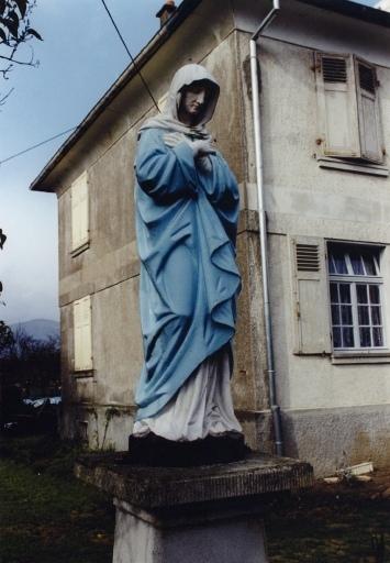 Statue C