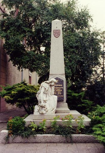 Monument aux morts, statue : La Patrie