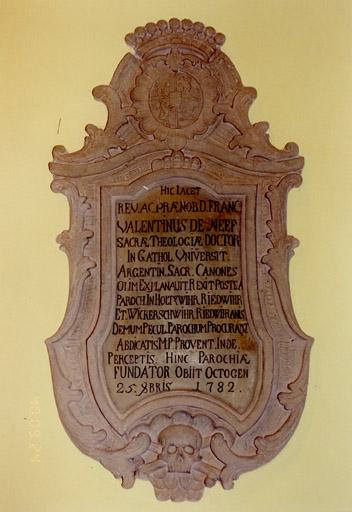 Monument funéraire du curé François Valentin de Neef