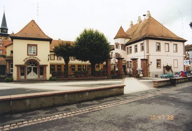 Maison du bailli Holzapfel, château épiscopal, école