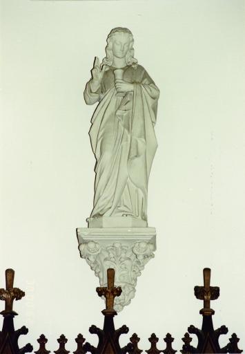 Statue de l'apôtre saint Jean