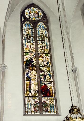 Vitrail du transept : Jésus parmi les docteurs