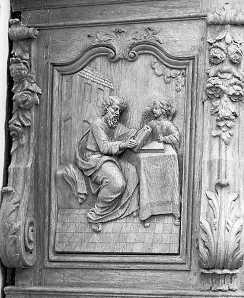 5 bas-reliefs : saint Matthieu, saint Marc, saint Luc, saint Jean et la Mission des apôtres