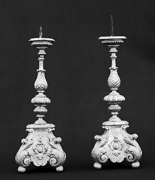 Croix et 4 chandeliers d'autel