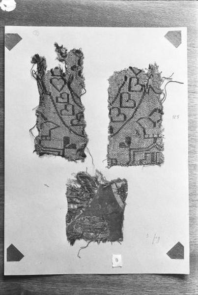 2e ensemble de 3 fragments de tissus de soie