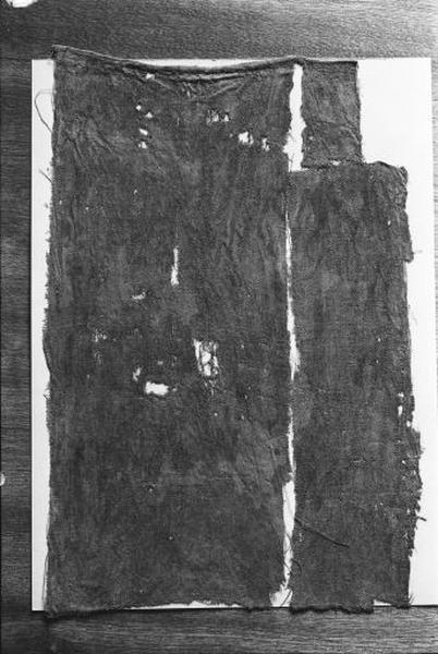 1er ensemble de 2 fragments de tissus de soie