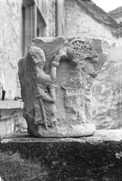 Fragment de chapiteau double historié