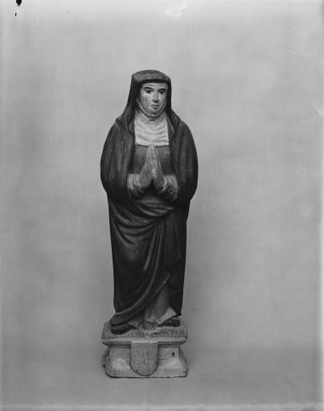 2 statues : saint Jean et la Vierge