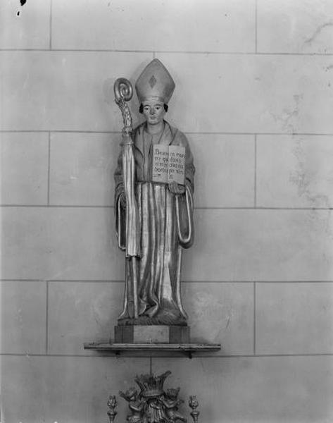 Statue : saint évêque au livre