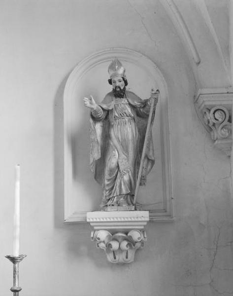 statue : saint Nicolas (?)