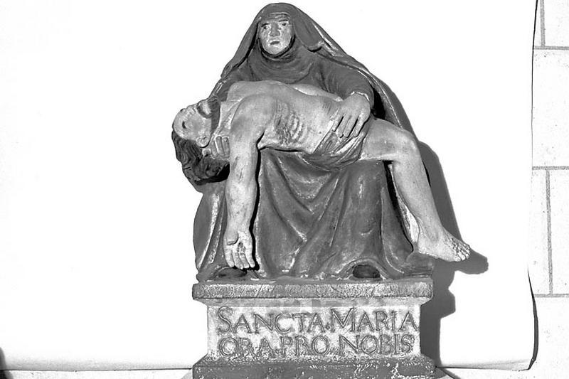 statuette : Pietà