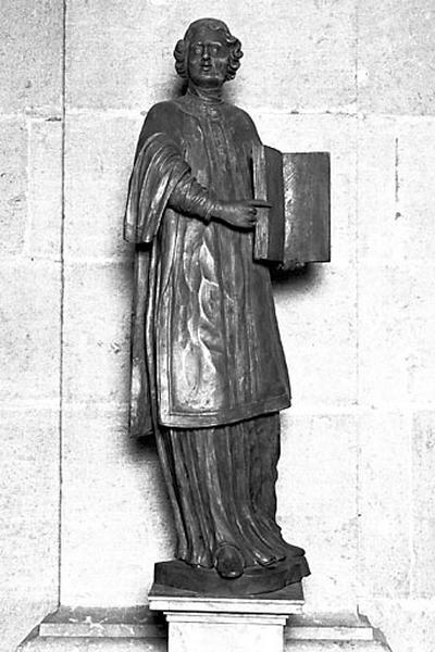 2 statues : saints diacres