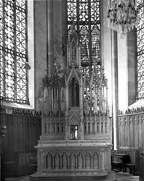 Autel, tabernacle, gradin d'autel (ensemble du maître-autel)