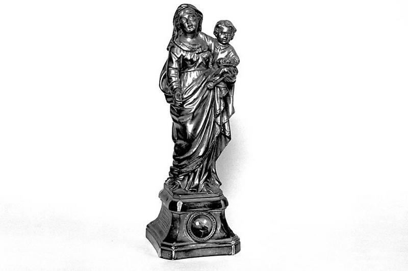 Statue-reliquaire