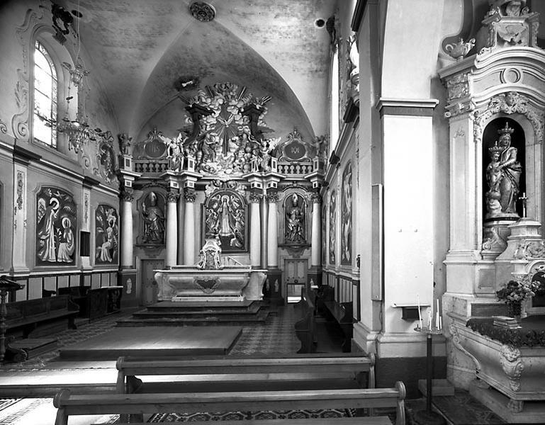 Autel, tabernacle, gradin d'autel, retable, 2 statues, tableau (ensemble du maître-autel)