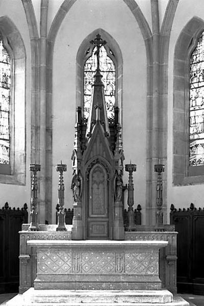 Autel, gradin d'autel, tabernacle, croix d'autel (ensemble du maître-autel)