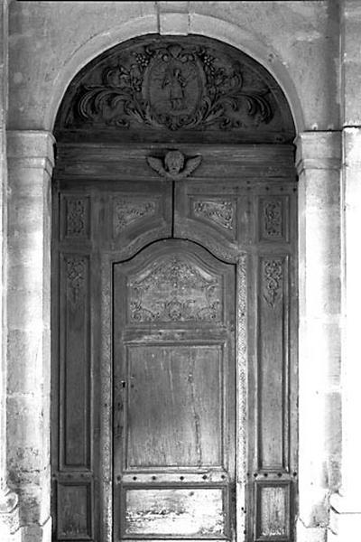 Bas-relief : saint Vallier