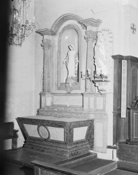 2 autels, 2 retables (autels de la Vierge et de saint Joseph)