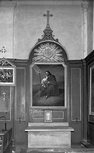 2 autels, 2 retables, 2 gradins d'autel, tabernacle, lambris de couvrement (2 autels secondaires)