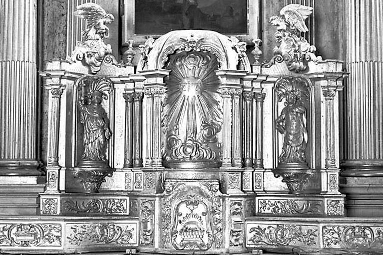 Autel, gradin d'autel, tabernacle à dais d'exposition (ensemble du maître-autel)