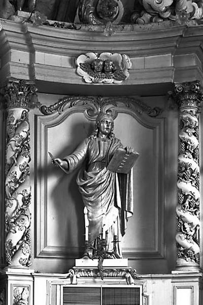 2 statues : saints