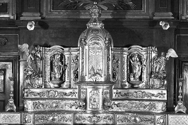 Autel, 2 gradins d'autel et tabernacle du maître-autel