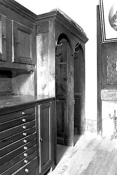 Meuble de sacristie, confessionnal de sacristie