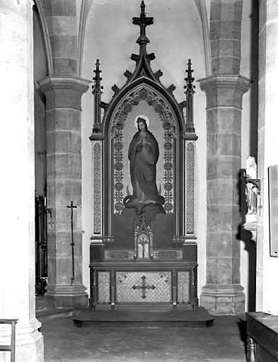 2 autels, 2 retables, 2 gradins d'autel, 2 tabernacles (2 autels secondaires)