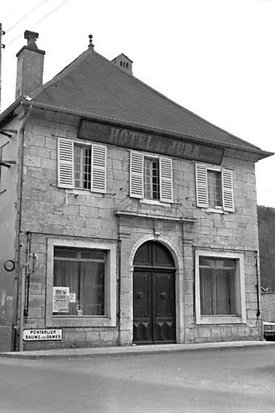 chapelle Saint-Claude puis de la confrérie de la Croix, puis hôtel de voyageurs dit hôtel du Jura