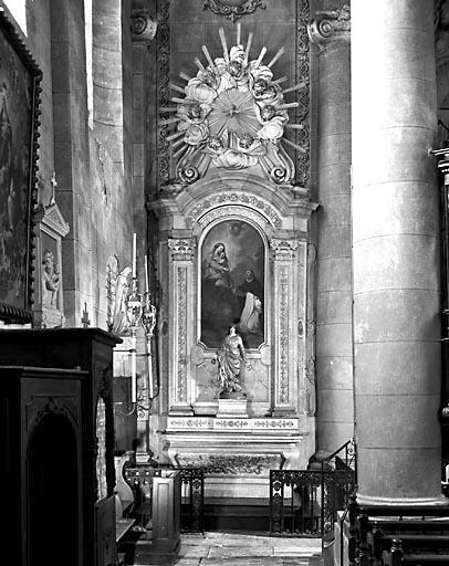 2 autels, 2 retables, 2 gradins d'autel (2 autels secondaires)