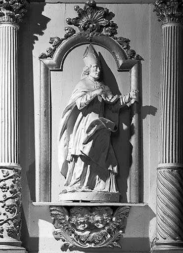 2 statues : évêques