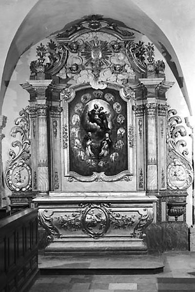 2 autels, 2 retables (autels secondaires nord et sud)